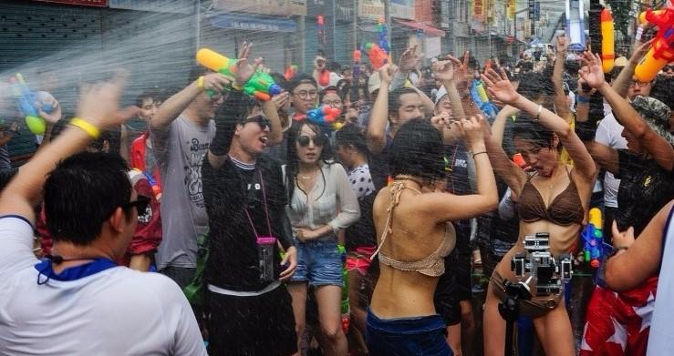 2018 여름 축제 : 더위를 날려줄 국내 이색 축제 Pick 10! - 대구치맥페스티벌, 보령머드축제