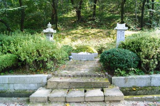 水崎林太郞墓地