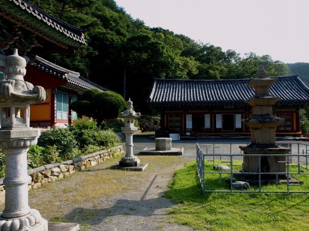 Yongyeonsa Temple