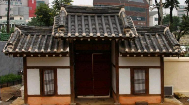旧亀岩(クアム)書院