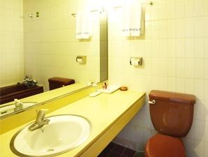 クリスタル観光ホテル