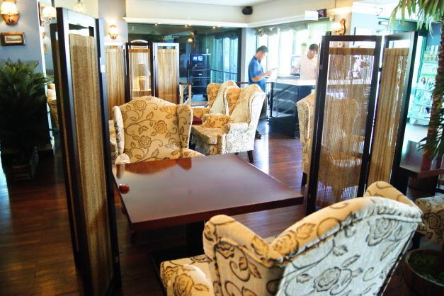 Bin Western Restaurant