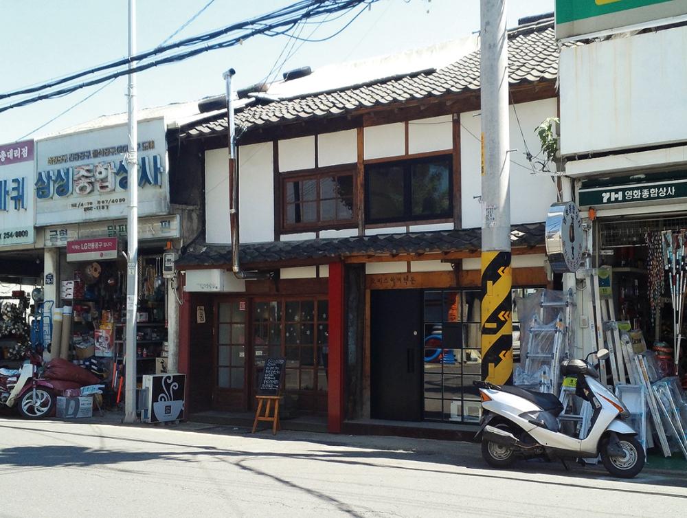 カーフェ三德商會 (カーフェサンドクサンフェ)
